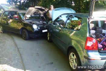 Frontal-Crash in Reichshof! Fahrer (20) nach Unfall in Kurve verletzt - TAG24
