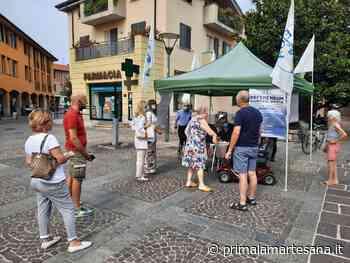 Gazebo della Lega a Cernusco sul Naviglio per raccogliere firme pro referendum - Prima la Martesana