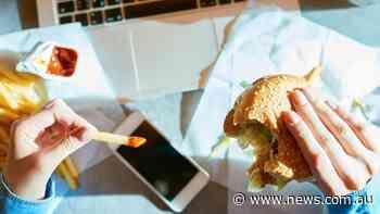 Calls for hazard warnings on junk food