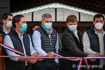 Gobierno inaugura polideportivo construido con fondos de Yacyretá en Yabebyry   - ip.gov.py