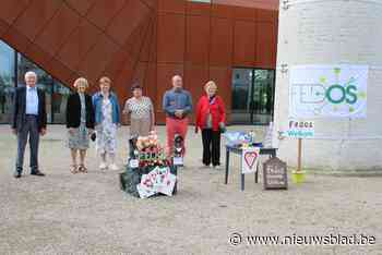 Seniorenvereniging Fedos onthult nieuwe vlag (Lichtervelde) - Het Nieuwsblad