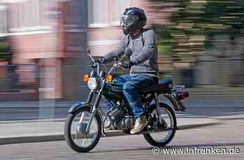 Marktredwitz: Junge (17) stürzt im Kreisverkehr mit Moped und muss ins Krankenhaus - inFranken.de
