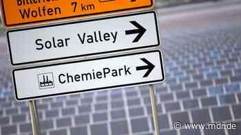 Solar Valley in Sachsen-Anhalt: Solarfabrik in Thalheim startet Testbetrieb - MDR