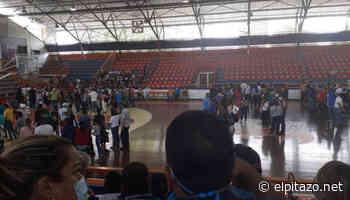 Autoridades suspenden vacunación en Polideportivo de Maturín - El Pitazo