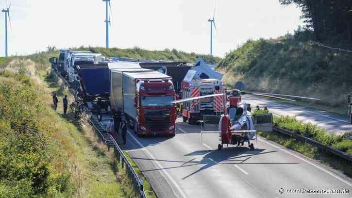 A4 nach Lkw-Unfall bei Bad Hersfeld für 13 Stunden gesperrt - hessenschau.de