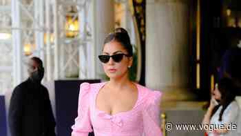 Lady Gaga: Feiern Sie mit diesen 4 Must-haves die Rückkehr des Hollywood-Glamours - VOGUE Germany