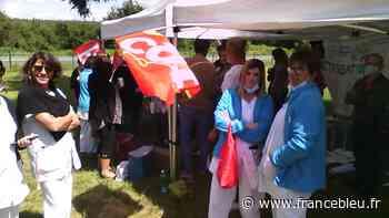 Chinon : petite mobilisation des personnels du centre hospitalier de Chinon à l'appel des syndicats - France Bleu
