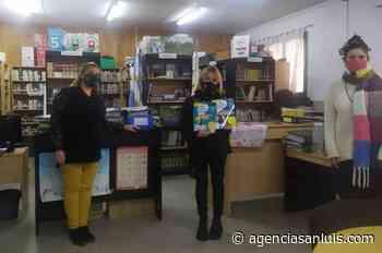Los libros de Intercolegiales Culturales llegaron al IFDC de Villa Mercedes - Agencia de Noticias San Luis