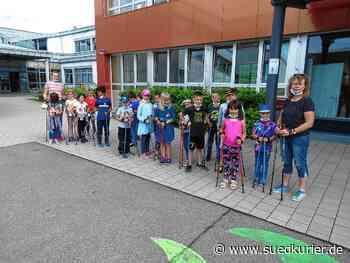 Nordic Walking tut ihnen gut: Die Geisinger Grundschüler sind regelmäßig mit ...   SÜDKURIER Online - SÜDKURIER Online
