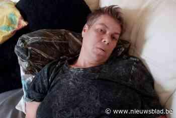 """Carla (47) werd met hevige pijn naar ziekenhuis gebracht maar toen botste de ambulance: """"Ik had geen idee van wat er gebeurde"""""""