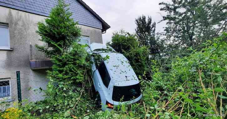 Kurioser Unfall in Bad Driburg: Auto schleudert in Balkon im Obergeschoss - Neue Westfälische