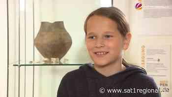 VIDEO   Schülerin aus Werlte findet Urne aus der Eisenzeit - SAT.1 REGIONAL - Sat.1 Regional
