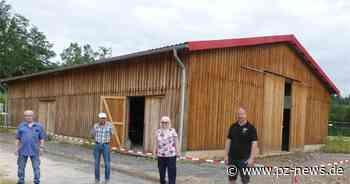 Über 1800 Stunden Arbeitszeit: Vereine bauen Lagerhalle in Karlsbad - Pforzheimer Zeitung
