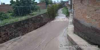Jamay: Crecida de arroyo se lleva a un vehículo - EL INFORMADOR