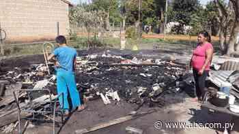 Incendio consumió vivienda de una modesta familia de Coronel Oviedo - Nacionales - ABC Color