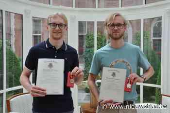 """Broers Wannes en Jotte krijgen ereteken nadat ze man hadden gered van pitbull: """"Enkel onze plicht gedaan"""" - Het Nieuwsblad"""