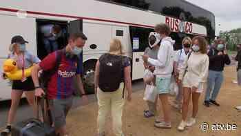 Ouders komen besmette jongeren oppikken in Kontich - ATV