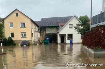 Reichenberg: Hochwasser flutet Ortskern - Feuerwehr im Dauereinsatz