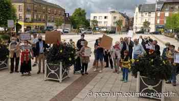 Manifestation dans le centre de Chauny pour défendre le presbytère voué à la démolition - Courrier picard
