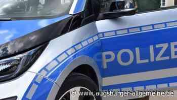 Auto macht sich in Wertingen selbstständig und prallt gegen Laterne - Augsburger Allgemeine