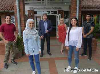 Deutsch als Fremdsprache: Vier Jugendliche freuen sich über den Schulabschluss - Drochtersen - Stader Tageblatt - Tageblatt-online