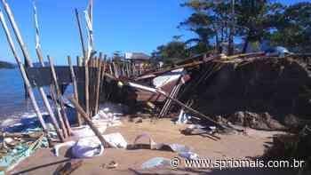 Ressaca derruba quiosque na Praia da Mococa em Caraguatatuba | SP RIO+ - SP Rio +