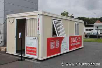 Enkel voor wie op reis wil: 'coronacontainer' geïnstalleerd langs de Kortrijksesteenweg