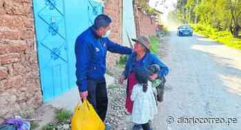 Junín: Policía lleva alimentos a abuelos abandonados y enfermos en Chupaca - Diario Correo