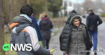 """Buurtbewoners klagen over overlast van transmigranten aan snelwegparking in Vorselaar: """"We zijn hier niet meer gerust"""" - VRT NWS"""