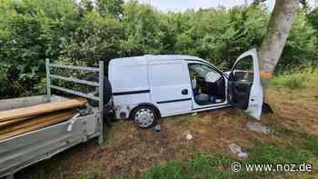 Transporter fährt in Haren-Altenberge frontal gegen einen Baum - noz.de - Neue Osnabrücker Zeitung