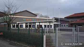 Schüler und Hausmeister gehen: Doppelte Abschlussfeier an der Wilhelm-Busch-Schule Bramsche - NOZ