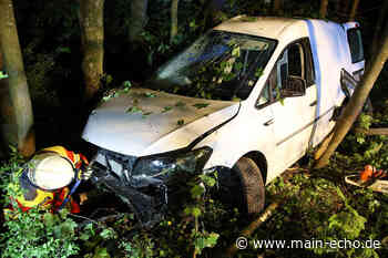 Frau bei Autounfall in Sailauf verletzt   Foto: Ralf Hettler - Main-Echo