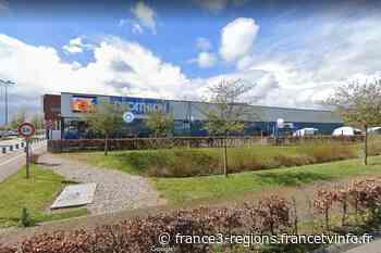 Seine-Maritime : les clients et les employés de Decathlon à Barentin évacués par les pompiers - France 3 Régions