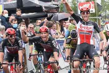 """Vito Braet sprint tussen ploegmaats naar tweede plaats: """"Dat was leuk"""""""