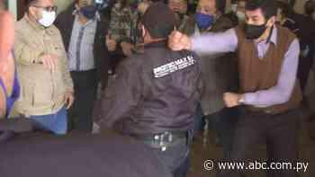 Postergan elección de intendente en Presidente Franco tras incidentes - ABC en el Este - ABC Color