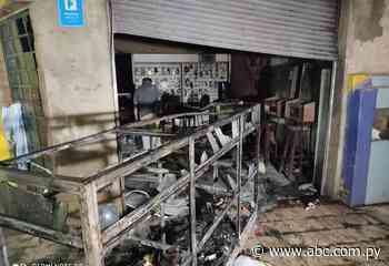 Prevención evitó expansión de incendio en una tienda de Itauguá - Nacionales - ABC Color