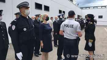 Policiers agressés à Rive-de-Gier : Jean-Paul et ses deux collègues décorés par la préfète de la Loire - France Bleu