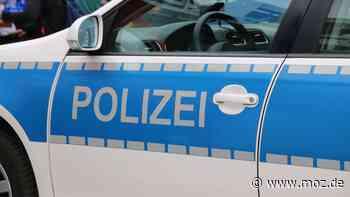Polizei: Betrunkener Autofahrer schubst und tritt in Neuruppin nach Polizisten - moz.de
