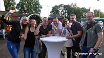 Party: Trance, House und Techno – Im Volksparkstadion in Neuruppin wurde in die Nacht gefeiert - moz.de