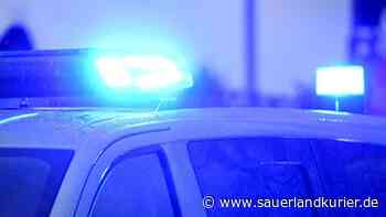 Unfall in Olsberg: Auto überschlägt sich - verletzter Fahrer flüchtet zu Fuß - sauerlandkurier.de