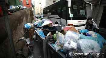 Degrado a Napoli, via Santa Lucia è un suk: «Noi, prigionieri del caos» - ilmattino.it