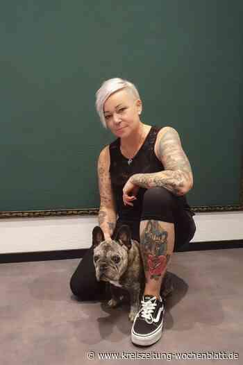 Hund und Huhn auf der Haut: Melanie Jürgens-Solle aus Neu Wulmstorf hat zwei große Leidenschaften: Tiere und Tätowieren - Kreiszeitung Wochenblatt