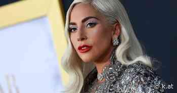 Lady Gaga posiert oben ohne auf Instagram - k.at