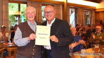 Stopselverein kürt Fritz Böhm zu Ehrenmitglied - Merkur Online