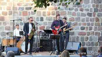 Sommerkonzert in Altlandsberg: Jazzer aus Neuenhagen begeistern bei Open Air ihre guten Nachbarn - moz.de