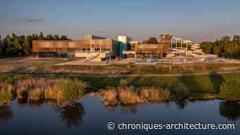 Le centre aquatique de Libourne, conçu par AP-MA, est dans le lac - Chroniques d'architecture