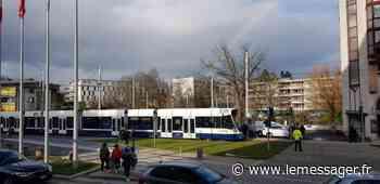 Gaillard : une cycliste se blesse gravement en traversant les rails du tram - Le Messager