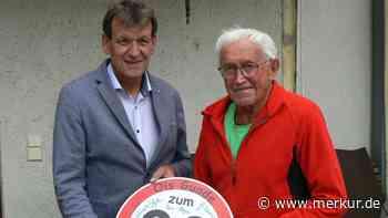 """Gratulation an """"Fips"""" Thomas Huber hat in Peiting 90. Geburtstag gefeiert – Auf ihn war immer Verlass - Merkur Online"""