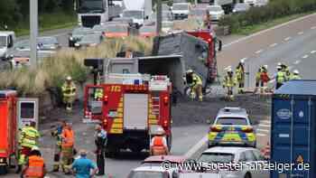 A445/A44 Werl: Lkw-Unfall auf der Autobahn - 20 Tonnen Schotter auf Fahrbahn - soester-anzeiger.de