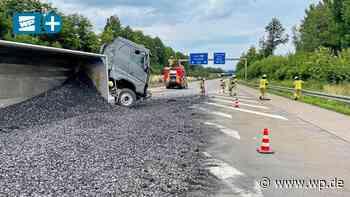 Arnsberg / Werl: Unfall auf A 445, Schotterlaster kippt um - WP News